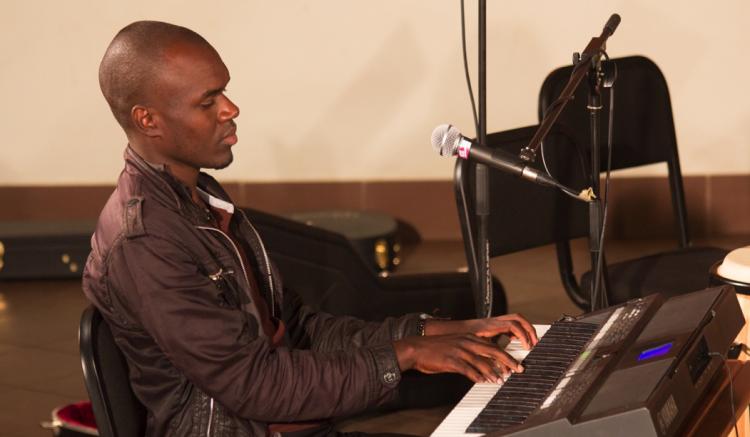Piano student at the documentation program