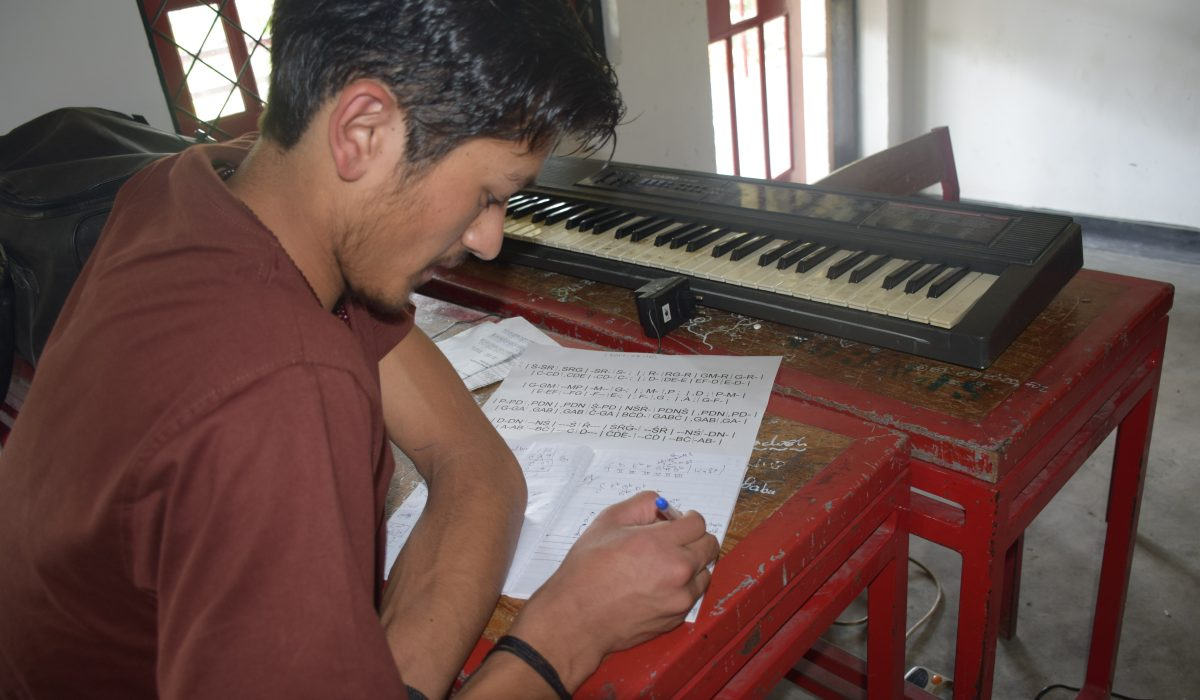 Writing lessons at South Asia Global Music Campus, a music teacher training in Sri Lanka